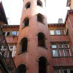 La Tour Rose de Lyon ou la Maison du Crible